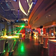 Chill-Sky-Bar-Saigon-inside