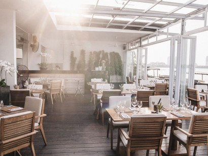 the-deck-saigon-restaurant
