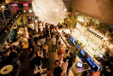 The View Rooftop Bar - Duc Vuong Hotel - Happy Saigon - Bar, Live